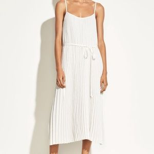 NWT VINCE WHITE PLEATED CAMISOLE MAXI DRESS SIZE S